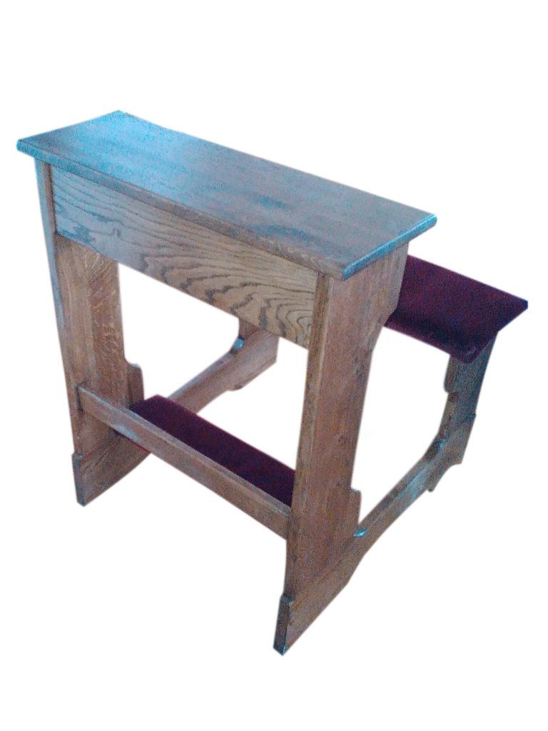 Klęcznik z siedziskiem dębowy z obiciem