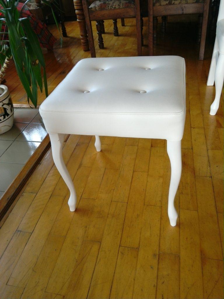 Taboret biały
